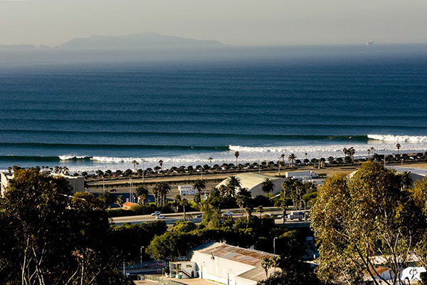 The California Surf Project, a Surfing Roadtrip Along the California Coast - Book Review // WeAreAdventure.us