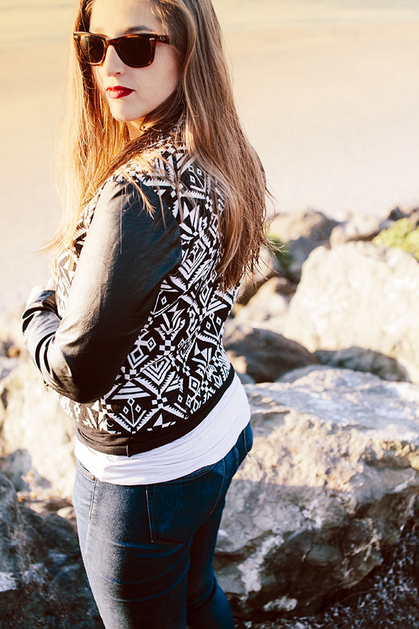 Great JACKET for an easy happy hour by the beach! // WeAreAdventure.us