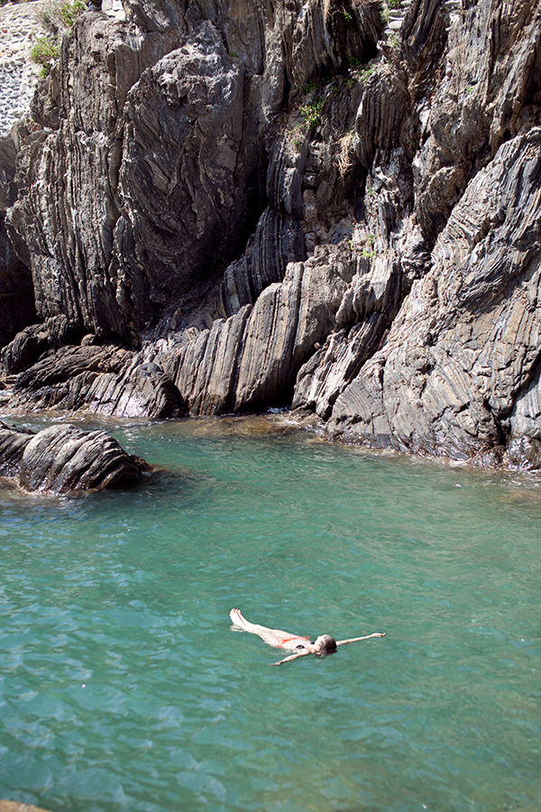 Swimming in the Mediterranean in Italy's Cinque Terre  // WeAreAdventure.us